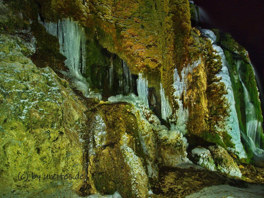 Eiswelten am Nohner Wasserfall
